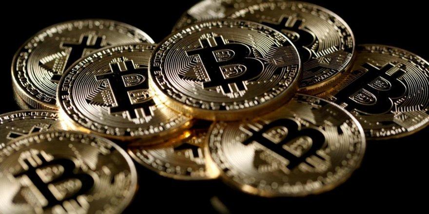 Bitcoin 2020'de altından 10 kat daha iyi performans gösterdi
