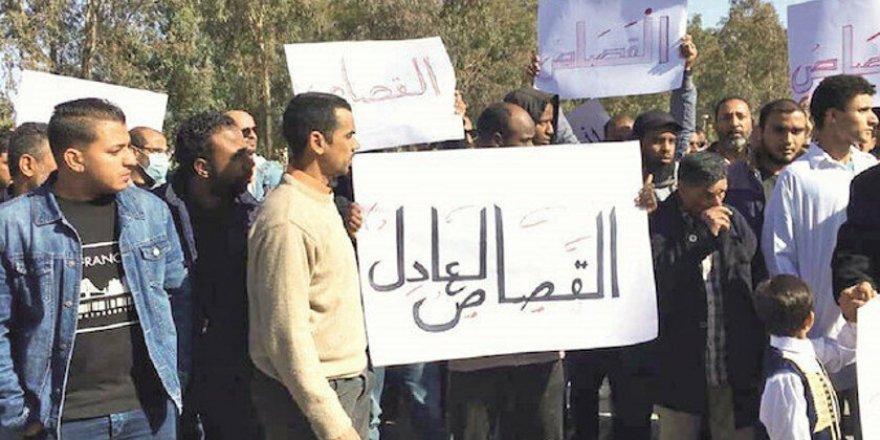 Libya'da halk ayaklandı: Hafter'e isyan