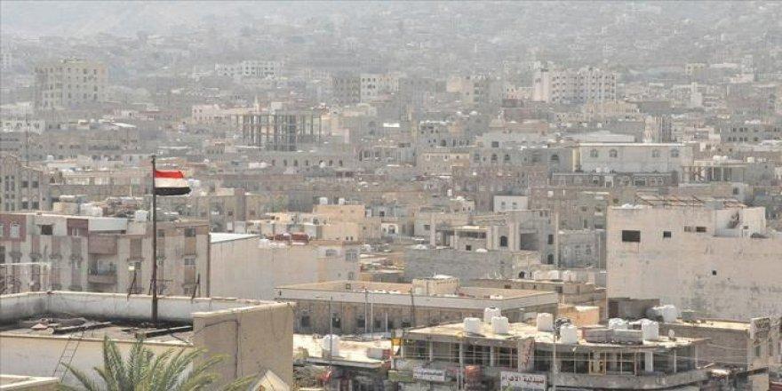 Yemen'de düğünevine top mermileri düşmesi sonucu 5 kadın hayatını kaybetti