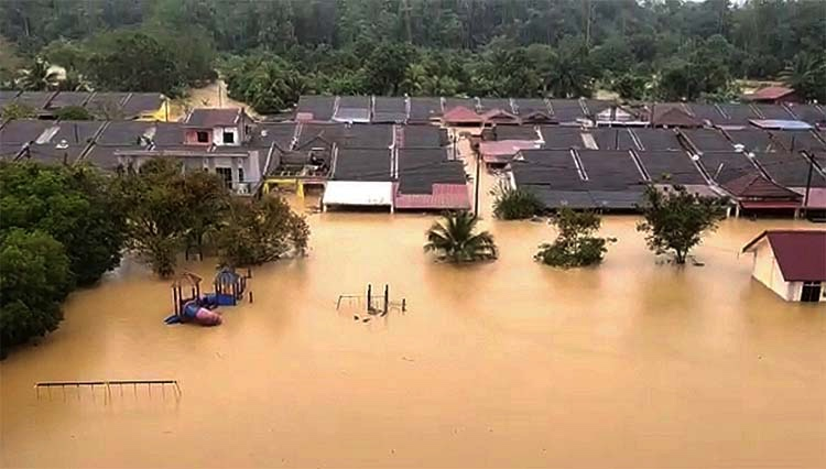 Malezya'daki sel baskınları sürüyor: 8 ölü, 48 bin tahliye