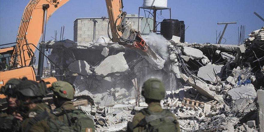 Siyonist İsrail 2020'de Filistinlilere ait 729 yapıyı yıktı