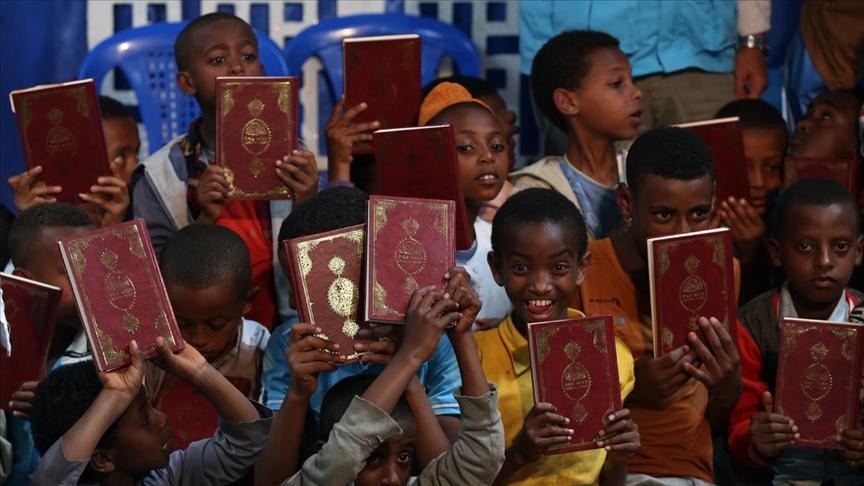 Türkiye Diyanet Vakfı 80 ülkede 977 bin 101 Kur'an-ı Kerim hediye etti