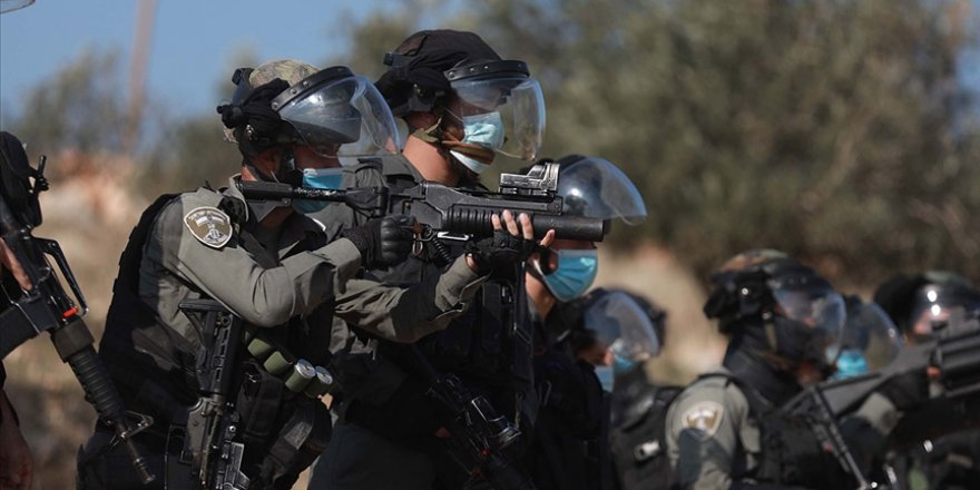 Siyonist İsrail güçleri Batı Şeria'da bir Filistinliyi vurarak katletti