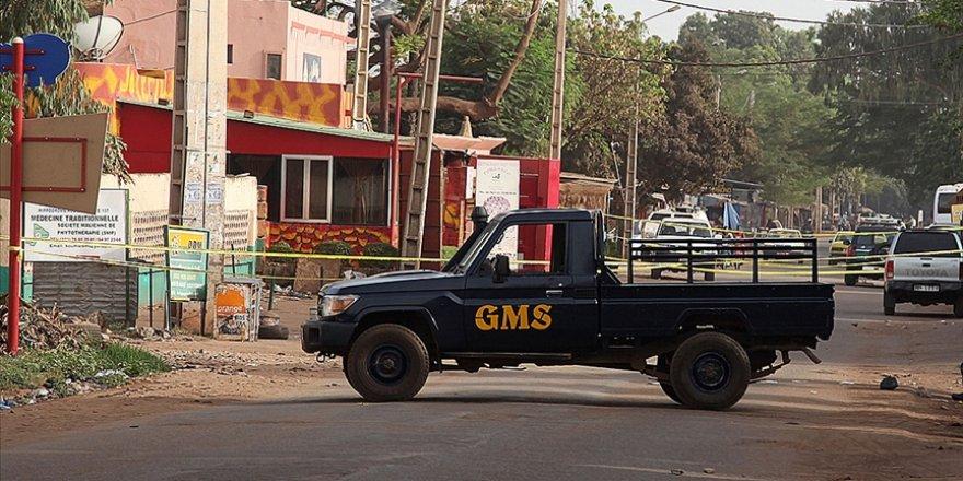 Mali'de 100 sivilin öldüğü belirtilen hava saldırısında gözler Fransa'ya çevrildi