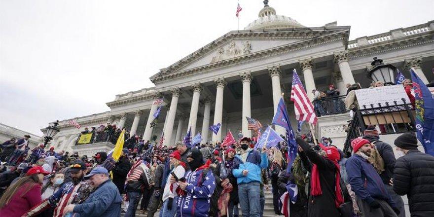 Amerika karıştı: Trump destekçileri Kongre binasını bastı!