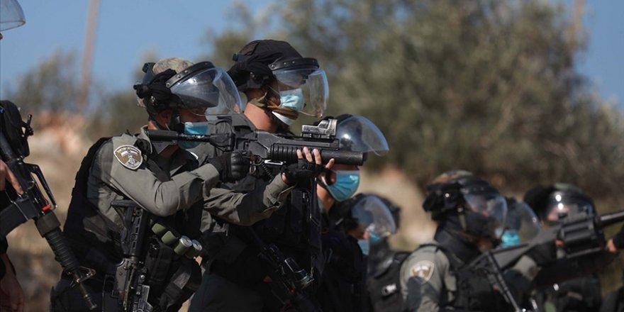 Siyonist İsrail güçleri, zihinsel engelli bir Filistinliyi yaraladı