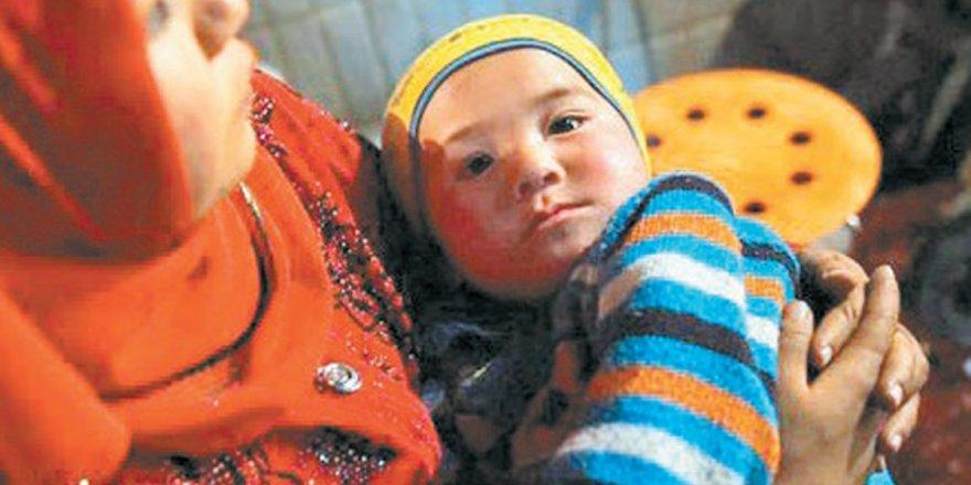 Çin Uygur kadınları kamplara alarak özgürleştiriyormuş!