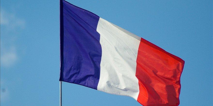 Fransa'da Adalet Bakanı hakkında yasa dışı menfaat sağlamaktan soruşturma açıldı