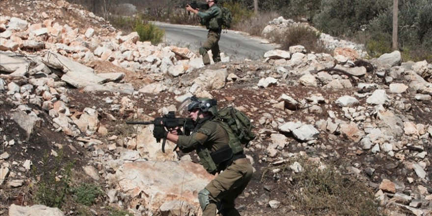 Siyonist İsrail güçleri, Batı Şeria ile Doğu Kudüs'te 41 Filistinliyi gözaltına aldı