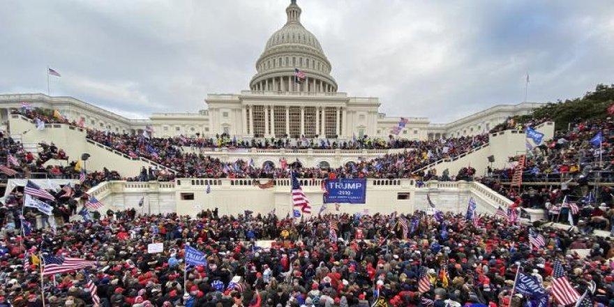 ABD halkının yüzde 80'i: ABD dağılıyor