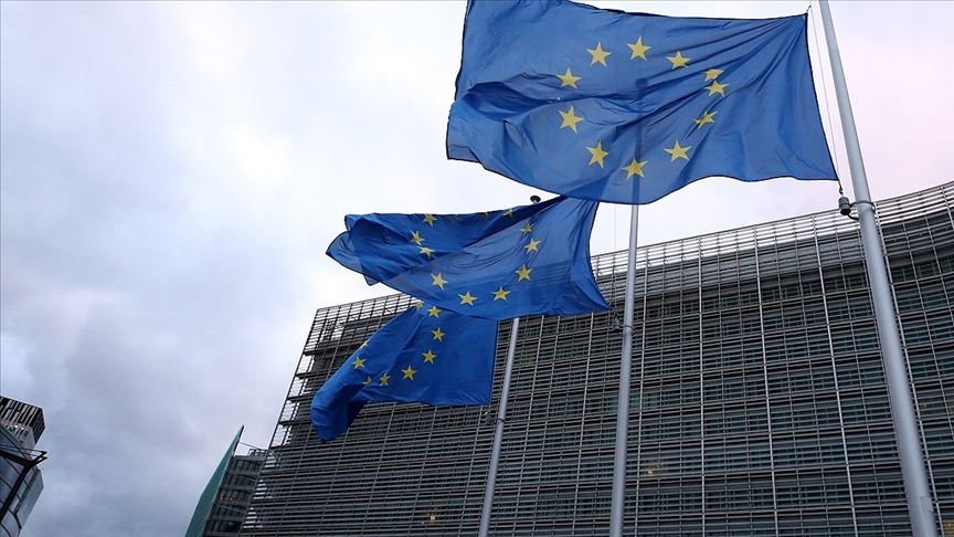 Avrupa medyası aşı stratejisini tartışıyor
