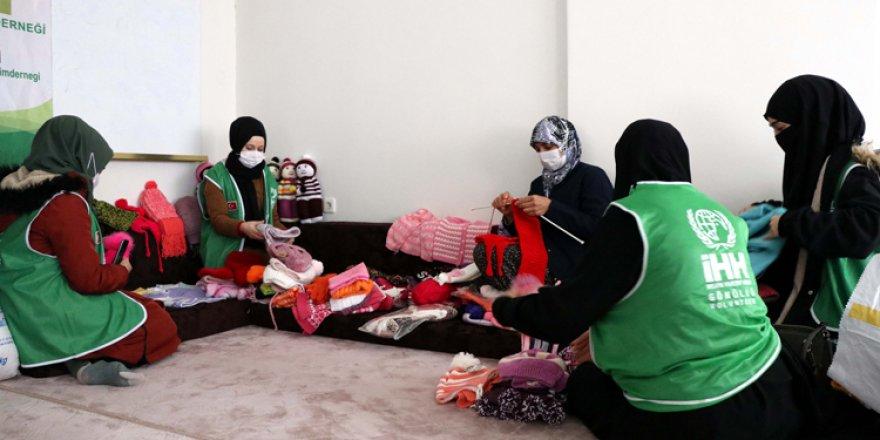 Elazığlı annelerden Suriyeli çocukları ısıtacak seferberlik
