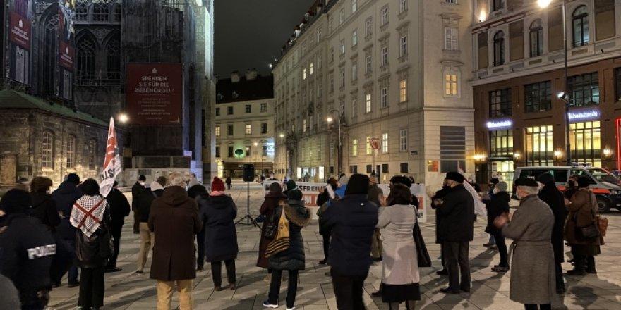 Avusturya'da Müslümanları hedef alan terörle mücadele yasa tasarısı protesto edildi