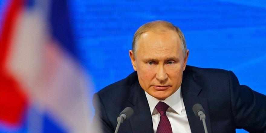 """""""Rusya'da muhalif blog yazarları Putin'in başını ağrıtacak"""""""