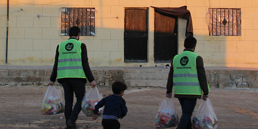 İdlib ve Gazze'ye Ramazan kumanyası yolluyoruz