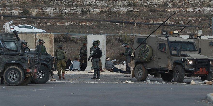 Siyonist İsrail güçleri Batı Şeria'da 25 Filistinliyi gözaltına aldı