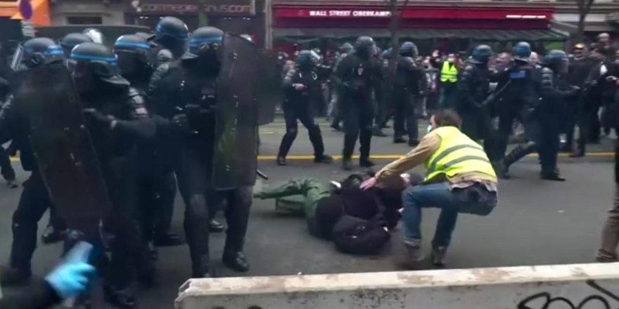 Fransa'da güvenlik yasası protesto ediliyor