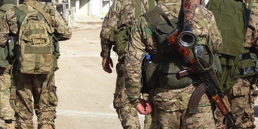 Esed rejimi ordusundan 40 asker muhaliflere sığındı