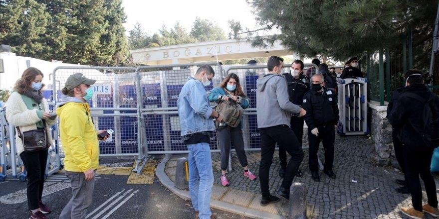 Boğaziçi Üniversitesindeki gösterilerde gözaltına alınan şüphelilerden 98'i serbest bırakıldı