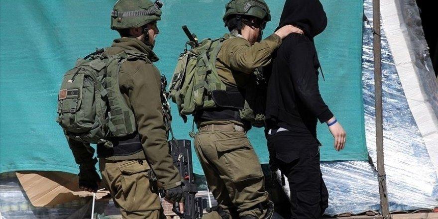 Siyonist İsrail güçleri 4'ü çocuk 29 Filistinliyi gözaltına aldı