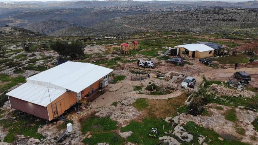 Batı Şeria'da bir Filistinli, Yahudi yerleşimci saldırgan tarafından şehit edildi