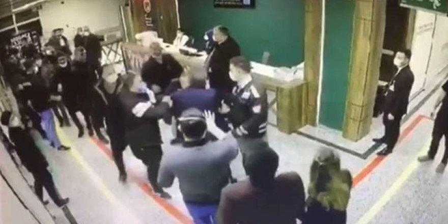 Gaziantep'te sağlık çalışanlarına saldırı anı kamerada