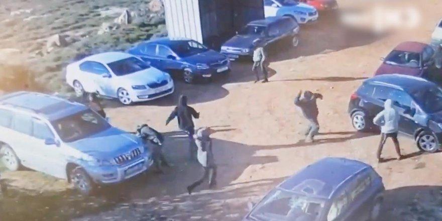 Siyonist işgalciler Filistinlilerin araçlarına saldırdı