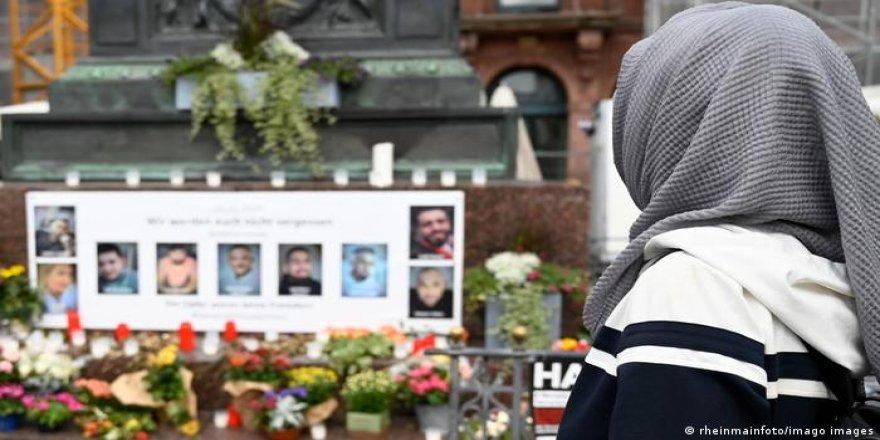 Hanau'daki ırkçı saldırının üzerinden bir yıl geçti