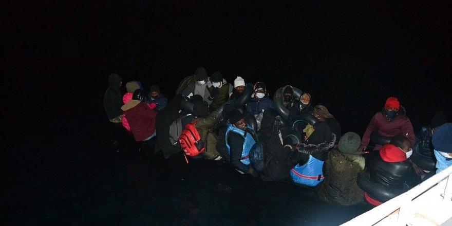 Yunanistan'ın ölüme terk ettiği 36 sığınmacı kurtarıldı