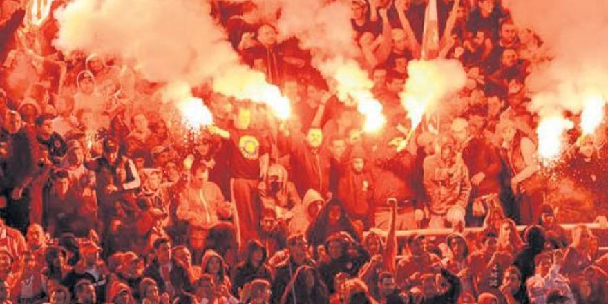 Bir hayali cemaat türü: Futbol taraftarları