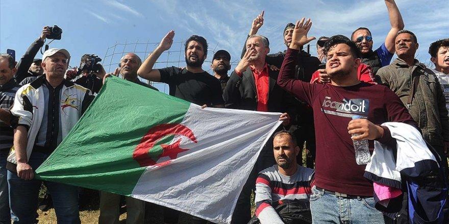 Cezayir'de 'Hirak' protestoları etkisini sürdürüyor