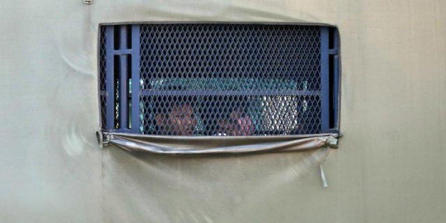 Malezya, mahkeme kararına rağmen 1086 göçmeni iade etti