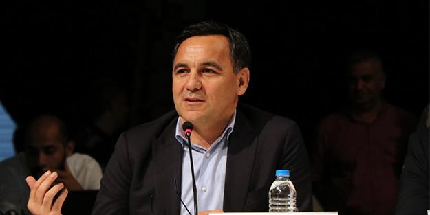 Solcu Deniz Zeyrek'ten DİSK'e çağrı: CHP'li belediyeleri sıkıştırmayın