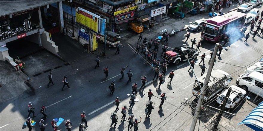 Myanmar Merkez Bankası, banka ve ATM'lerden nakit para çekme işlemini sınırlandırdı