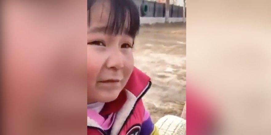 """Uygur kız: """"Uygurca ismimi söylersem cezalandırılırım"""""""