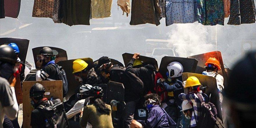 Myanmar'da darbecilerin ateş açtığı 3 protestocu öldü