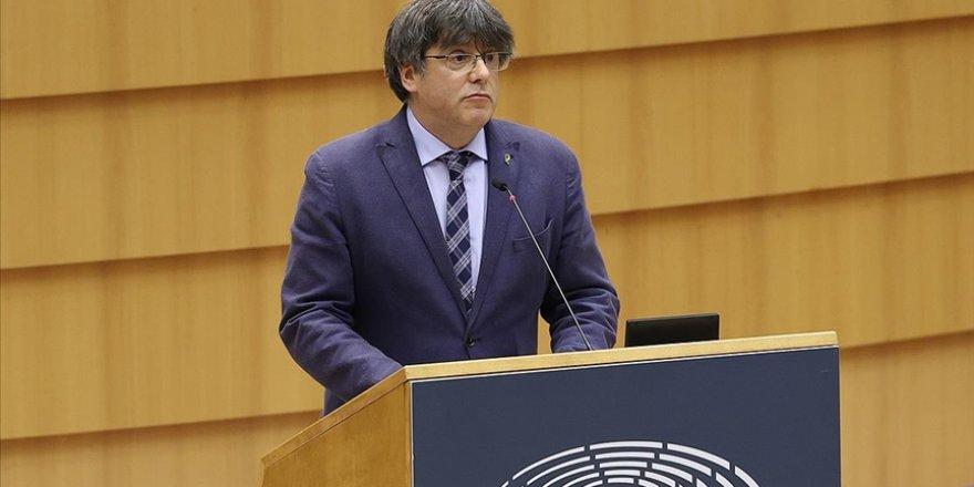 Avrupa Parlamentosu Katalan siyasetçi Puigdemont'un dokunulmazlığının kaldırılmasını kabul etti