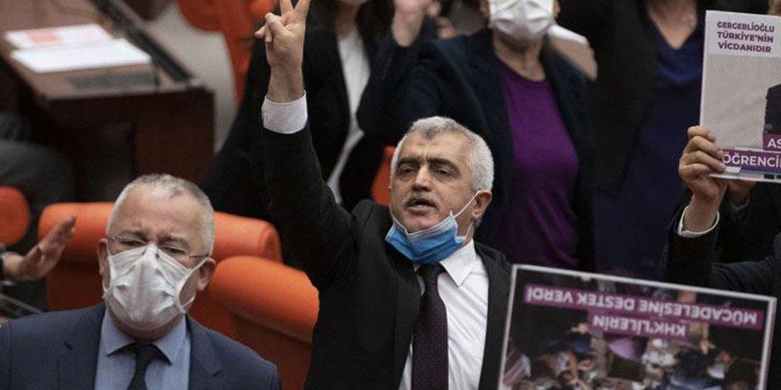 Vekilliği düşürülen Gergerlioğlu, Meclis'te sabahladı