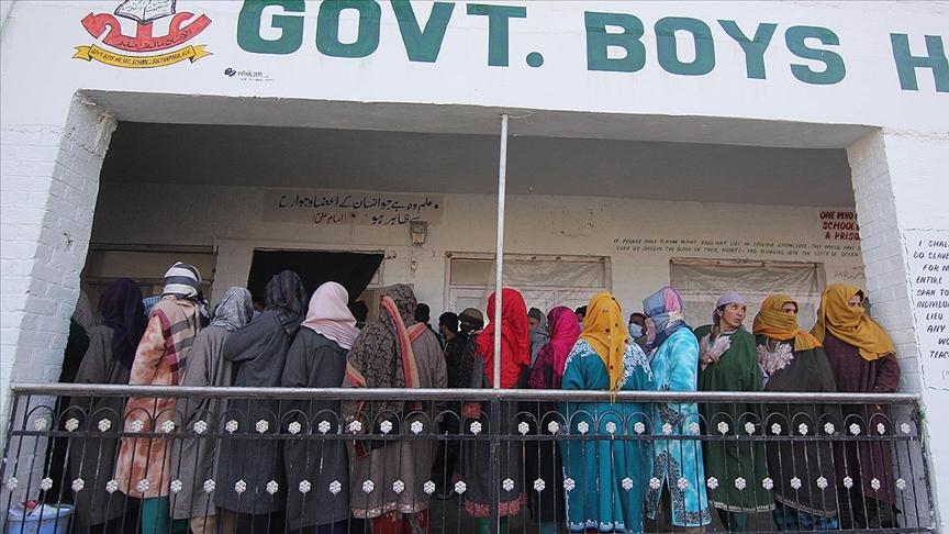 Cammu Keşmir bölgesindeki 'yarı dul kadınlar' seslerini duyurmaya çalışıyor