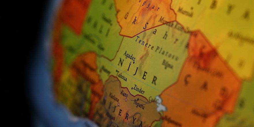Nijer'de darbe girişimi
