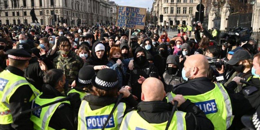 İngiltere'de 'protesto hakkını kısıtlayacak' yasa tasarısı protesto edildi
