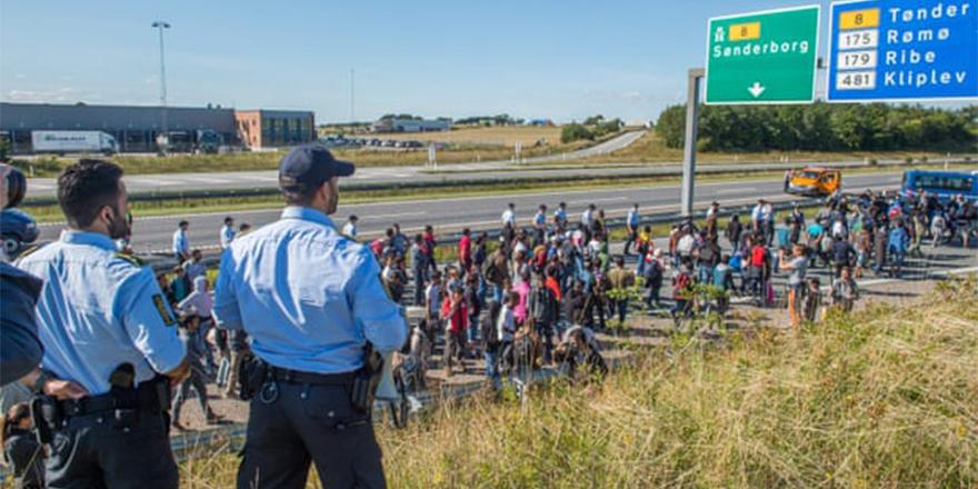 Danimarka'da Suriyelilere, 'güneşli ülkenize dönün' deniyor