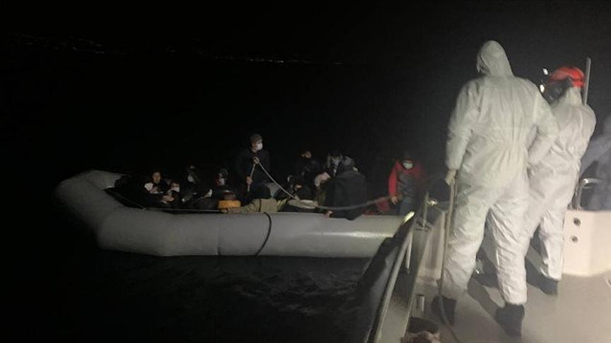 Yunanistan, göçmenleri yakmaya çalıştı