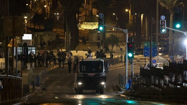 Siyonist İsrail'in Doğu Kudüs'teki Filistinleri zulmü sürüyor