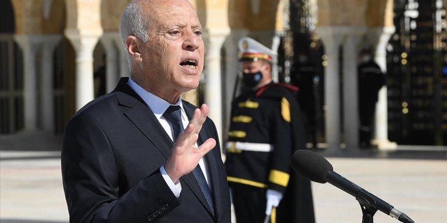 Tunus Cumhurbaşkanı Said'in 'sert tutumu' ülkenin krizden çıkmasını engelliyor mu?