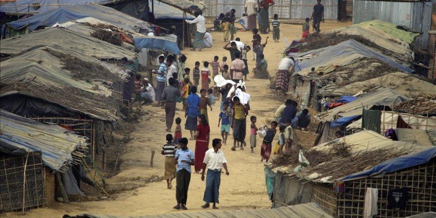 """Myanmar'da cunta karşıtı """"sivil hükümet""""in temsilcisi, Arakanlı Müslümanlardan özür diledi"""