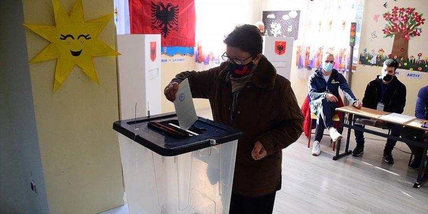 Arnavutluk'ta genel seçim