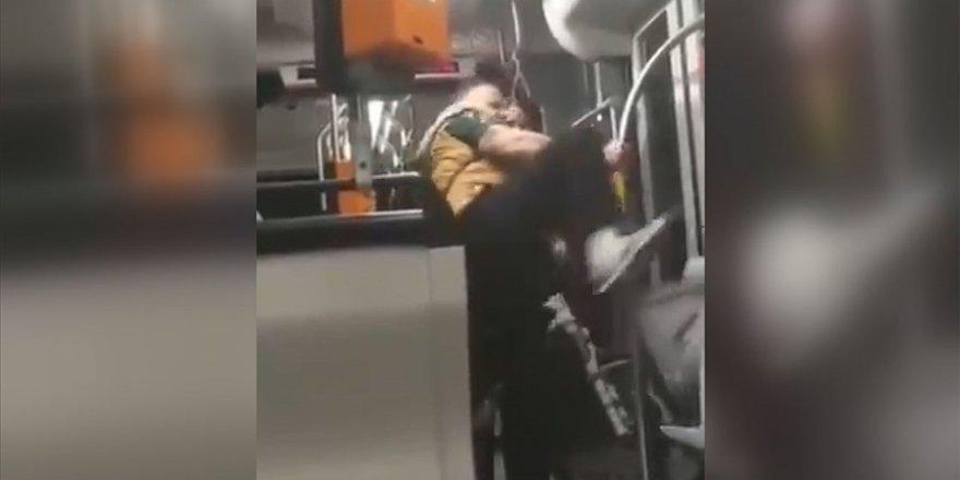 Almanya'da Suriyeli gence ırkçı saldırı