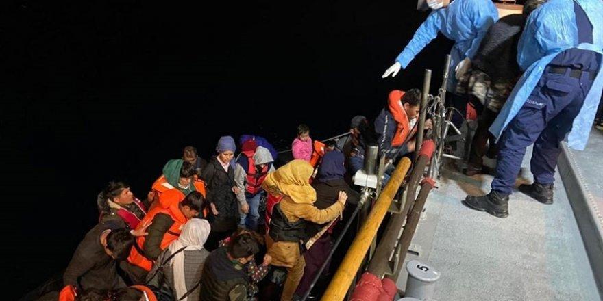 Yunanistan'ın ölüme terk ettiği 56 göçmen kurtarıldı
