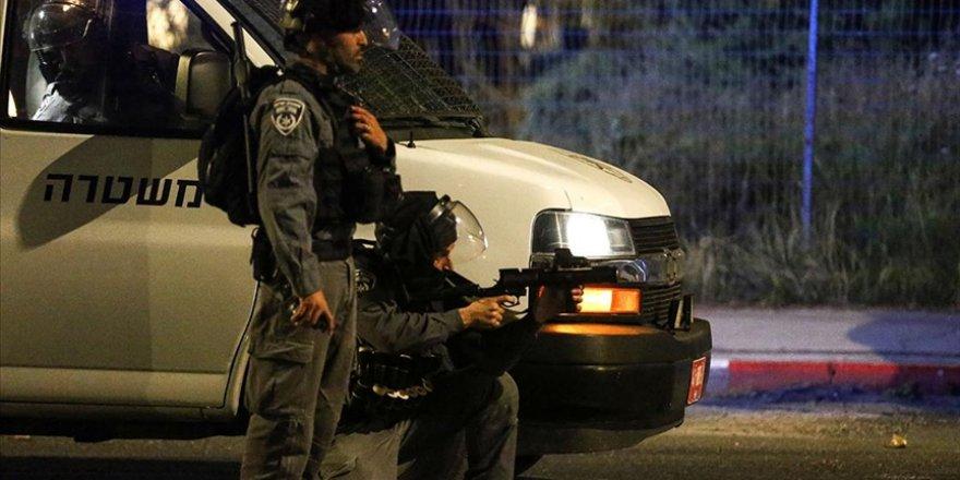 İsrail polisi, Kudüs'teki Şeyh Cerrah Mahallesi'nde 10 Filistinliyi yaraladı